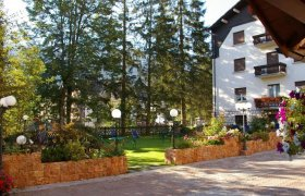 Hotel Dal Bon - Andalo-1